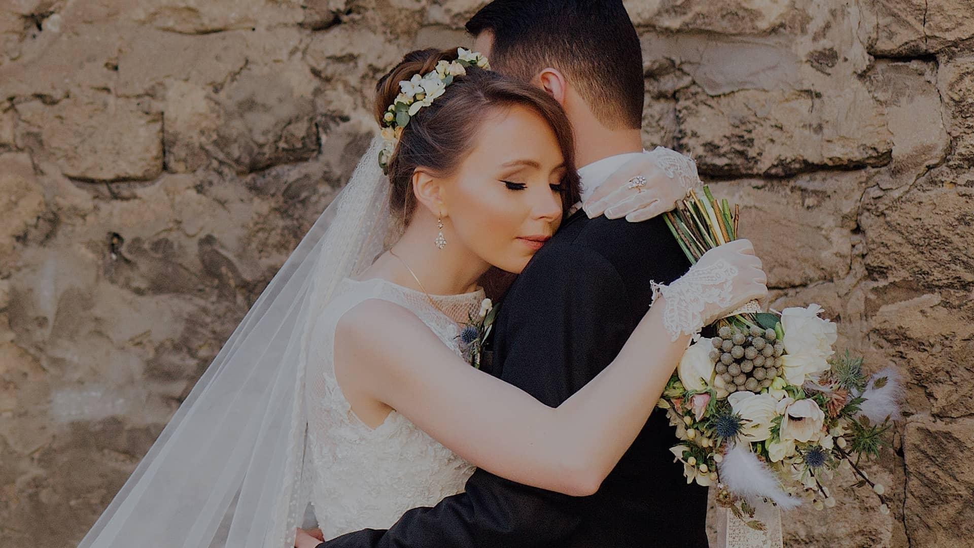 Áo cưới Suri