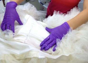 Dịch vụ giặt áo cưới