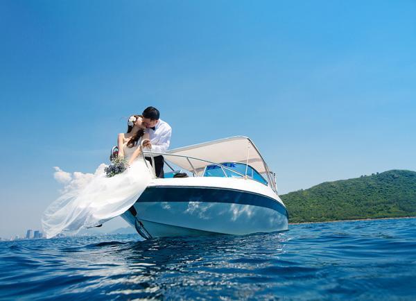 May áo cưới cao cấp giá rẻ hơn đi thuê