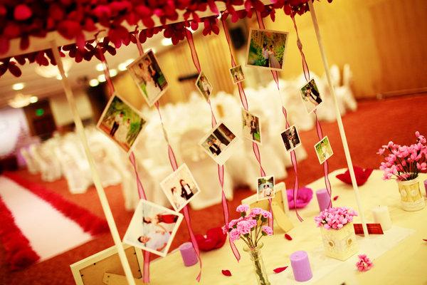 Tự trang trí tiệc cưới