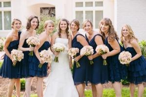 Váy phụ dâu ngắn màu xanh navy
