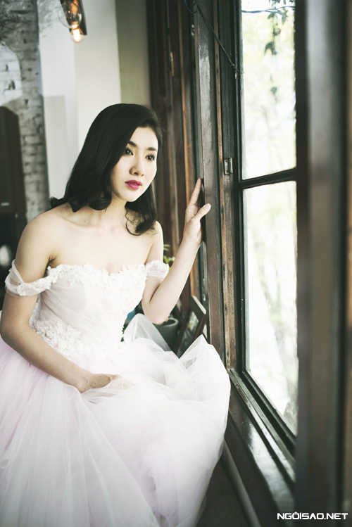 Váy cưới trễ vai đầy gợi cảm