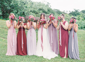 Váy phụ dâu tông màu tím lãng mạn