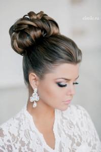 topknot-bun-for-wedding-hairstyle