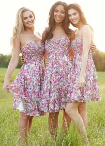 Váy phụ dâu dáng ngắn cúp ngực đồng điệu