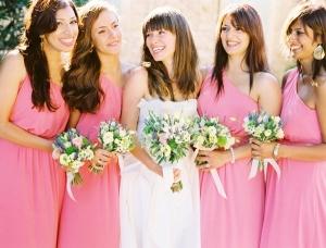 Váy phụ dâu màu hồng ngọt ngào