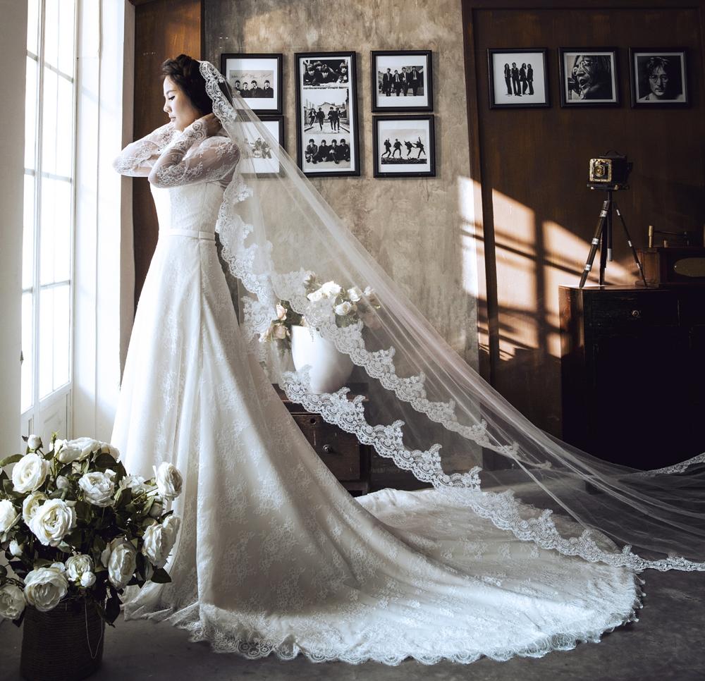 May váy cưới chữ A đuôi xòe rộng sang trọng