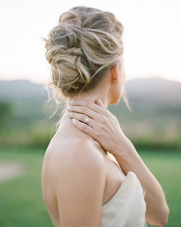 pretty-wedding-updo-hairstyles-for-all-brides