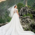 Váy cưới đuôi xoè rộng mẫu may Suri